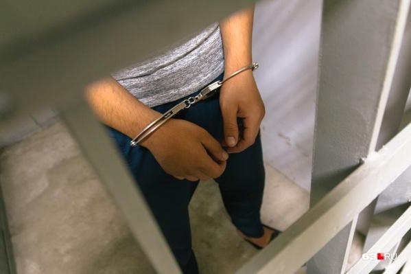 Ближайшие два месяца полицейский пробудет не на свободе