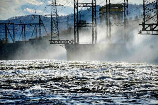 ГЭС открыла водосливную плотину 20 марта 2020 года