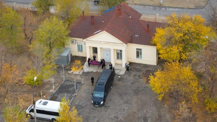 Домашнее лечение было безрезультатным: в Волгоградской области от COVID-19 умерли четыре человека