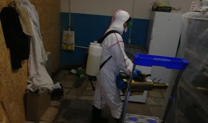 Продавец мяса из Челябинской области заразил коронавирусом сотрудника Сбербанка