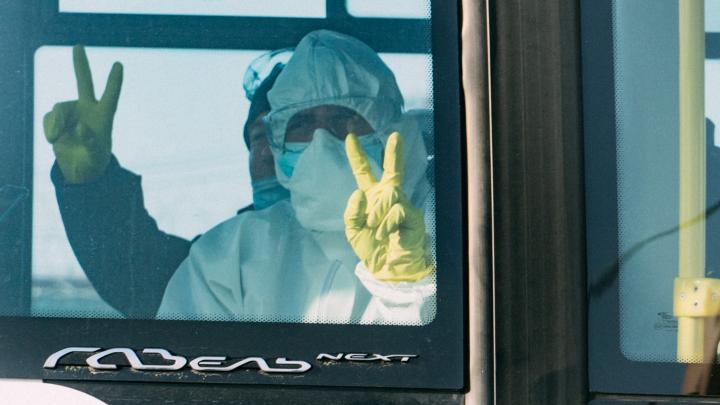 Отставка главврача и полсотни вахтовиков из Якутии: хроника пандемии коронавируса