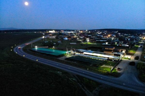 Маркеры помогают водителям сориентироваться на дороге в темное время суток