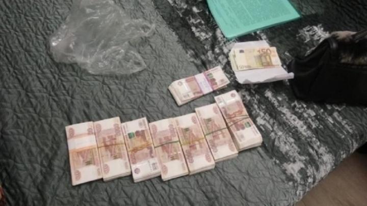 Суд не разрешил отдать мужу экс-полковника Веры Рабинович часть арестованных денег