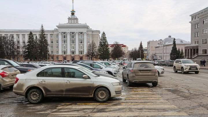За 20 минут бюджет потерял почти 70 тысяч рублей: что творится на Советской площади в Уфе в час пик