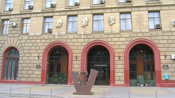 Волгоградский медуниверситет ввёл свободное посещение лекций из-за коронавируса