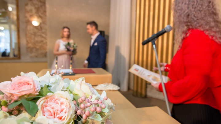 Пандемия ударила по семье: в Самарской области зарегистрировали рост разводов