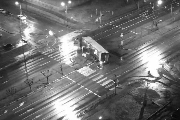ДТП произошло в 3 часа 15 минут на проспекте Фрунзе