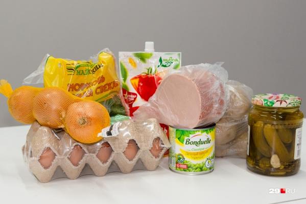 Мы также посмотрели цены на уже готовые салаты. В «Ленте» и в «Макси» 100 грамм оливье стоит около 30 рублей