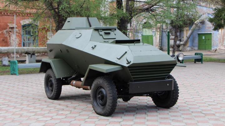 «Омсктрансмаш» передал городу броневик времён Великой Отечественной войны