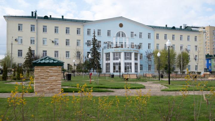 Не обследовали и отправили домой: волгоградец отсудил у больницы 450 тысяч рублей за смерть жены
