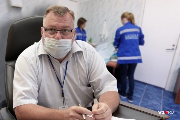 Главный врач волгоградской скорой помощи Олег Ярыгин рассказал журналистам почему «скорые» едут так долго