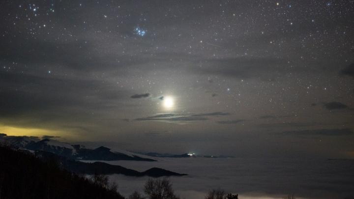 Можно разглядеть Венеру: на этих выходных новосибирцы смогут наблюдать сближение планеты с Луной