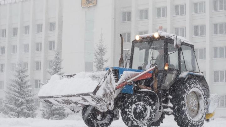 Администрация Архангельска расторгает контракт на уборку улиц с «Плесецким дорожным управлением»