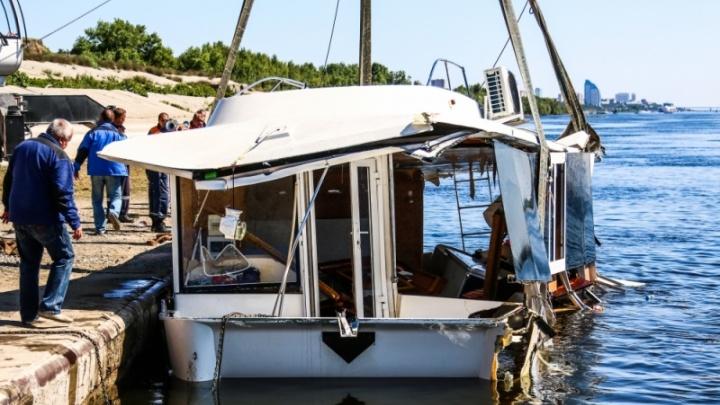В Волгограде генеральному директору лодочной станции Леониду Жданову попросили семь с половиной лет колонии