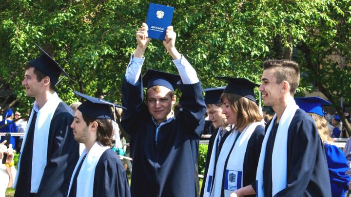 Охота за головами: выпускники Высшей школы электроники и компьютерных наук ЮУрГУ нарасхват во всём мире