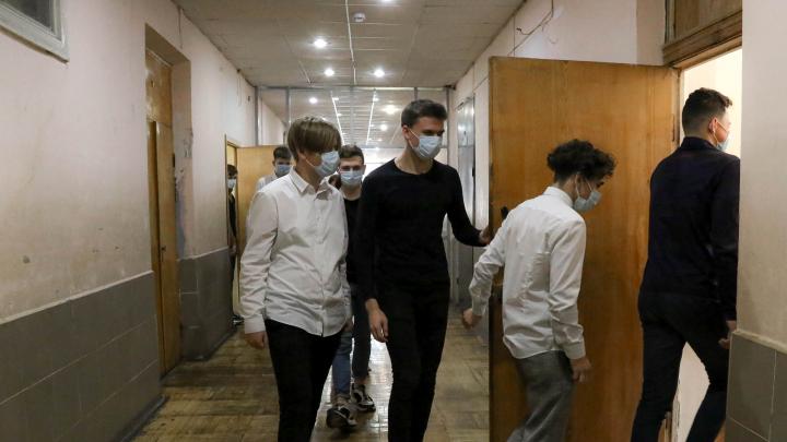 Ещё три нижегородские школы полностью закрыли на карантин из-за COVID-19 и ОРВИ