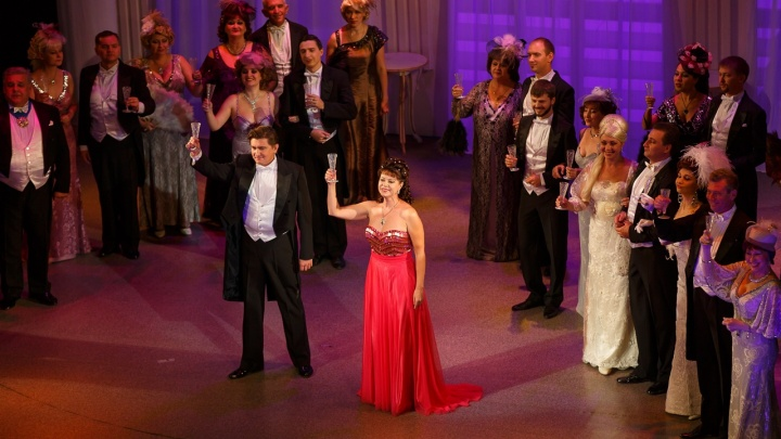 «Разобрали билеты за час»: в Волгограде театры открылись для изголодавшихся по спектаклям горожан
