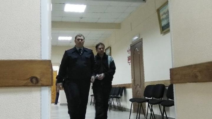 В Самаре суд отправил в СИЗО отца, который убил утюгом свою 3-месячную дочь