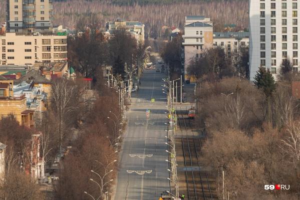 Улицы города непривычно пусты