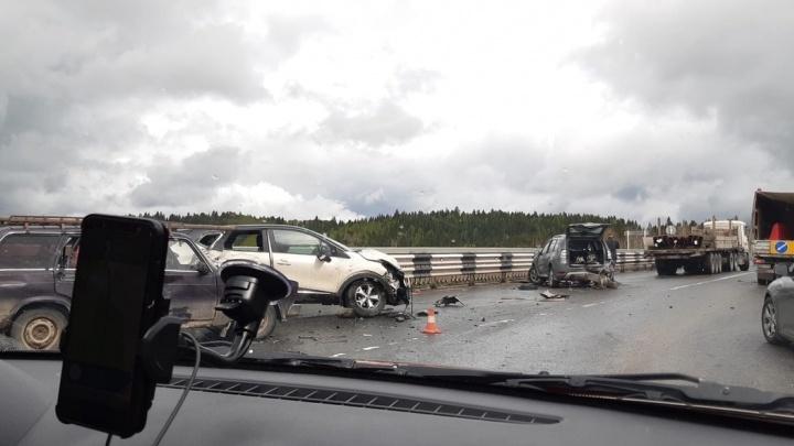 На трассе Пермь — Березники произошла массовая авария с грузовиками