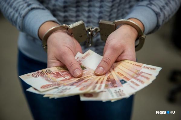 За деньги сотрудник налоговой обещал «закрыть глаза» на нарушения в процедуре банкротства предприятия