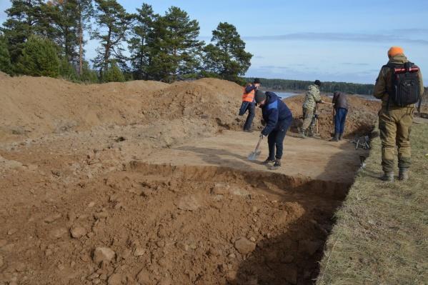 Древности обнаружили в месте строительства моста через Енисей