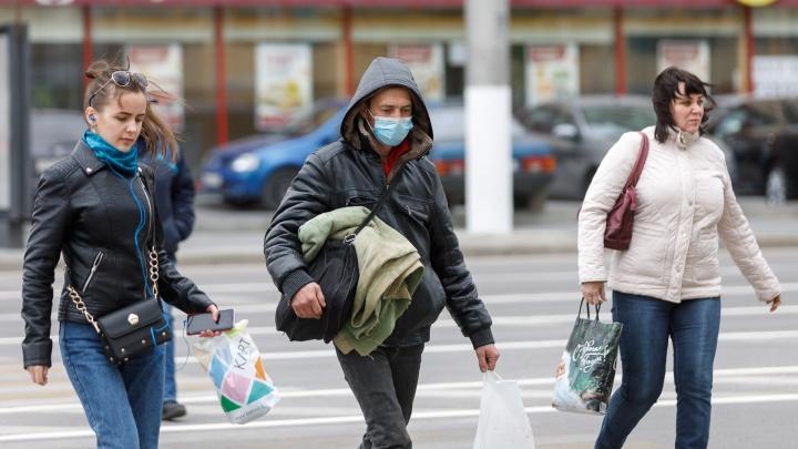 Заболели уже 297 человек: коронавирус захватывает Волгоград