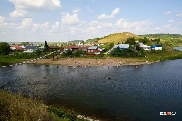 Лето. Река Уфа. Отличное место для отдыха