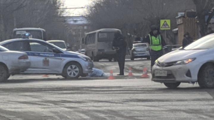Водитель автобуса, насмерть сбивший девочку на Мичурина, задержан. Возбуждено уголовное дело