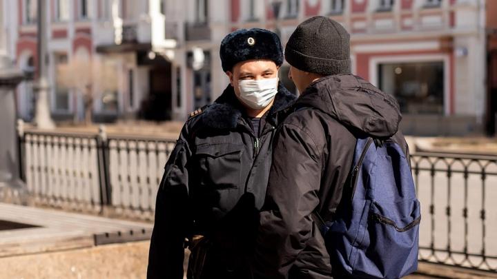 В Омской области оштрафовали мужчину, который вернулся из Италии и вышел на работу