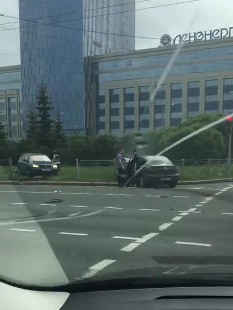 "Скриншот видео из группы&nbsp;<a href=""https://vk.com/wall-68471405_13315377"" target=""_blank"" class=""_"">«ДТП и ЧП   Санкт-Петербург»</a>"