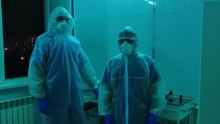 «Все напряжены, хотят домой»: студенты-медики рассказали о карантине в больнице Кабанова