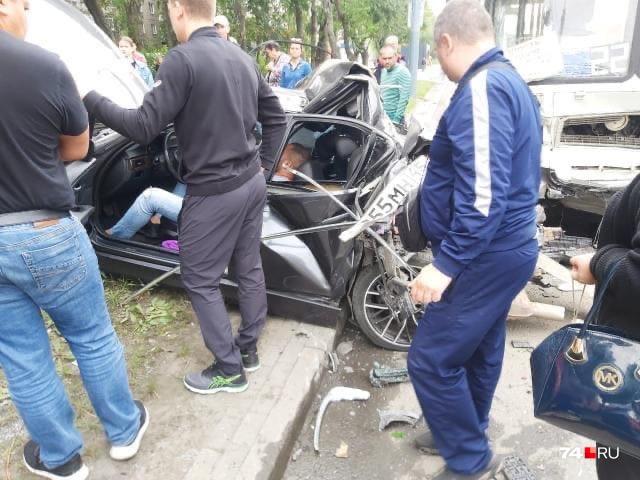 Водитель BMW серьёзно пострадал
