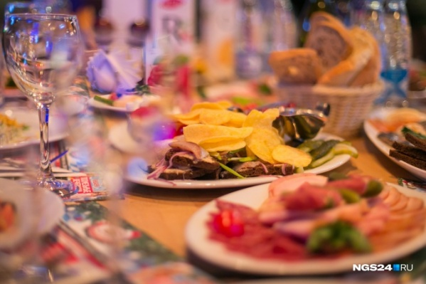 Красноярские рестораторы сетовали, что упустили прибыль от новогодних корпоративов