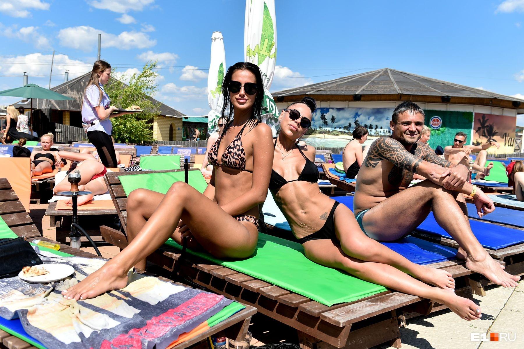 Пляж «Куба»недешевый, но там все благоустроено для отдыха