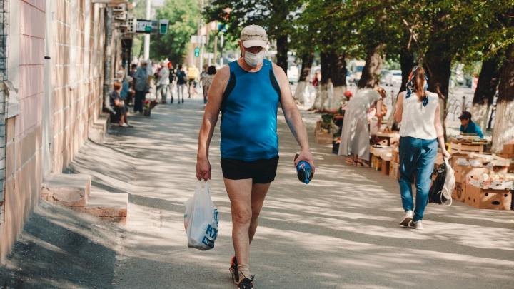 Заставьте меня носить маску: как магазины и тюменцы вдруг вспомнили о соблюдении особого режима