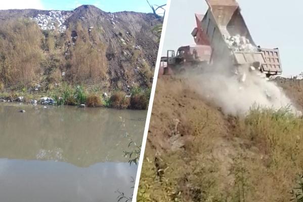 КАМАЗы привозят на берег реки строительный мусор и грунт