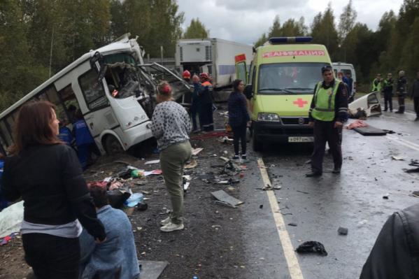 Девять человек погибли и 27 пострадали в ДТП с автобусом под Ярославлем в сентябре 2019 года