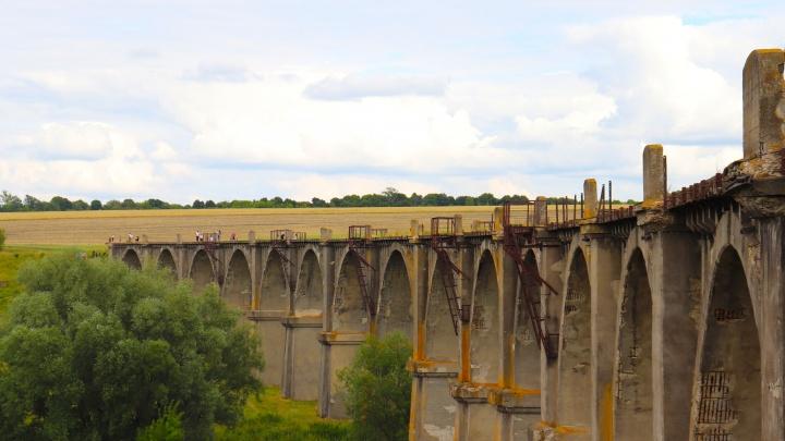 Мир глазами нижегородцев: старинный паровоз и легендарный мост-призрак в Чувашии