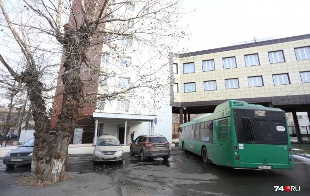 В челябинском горздраве рассказали, где разместили больных из госпиталя, в котором произошел взрыв