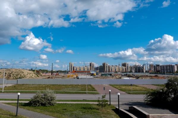 Спорткомплекс площадью 52 тысячи квадратных метров и с трибунами на 12 тысяч зрителей планируется построить за два с половиной года