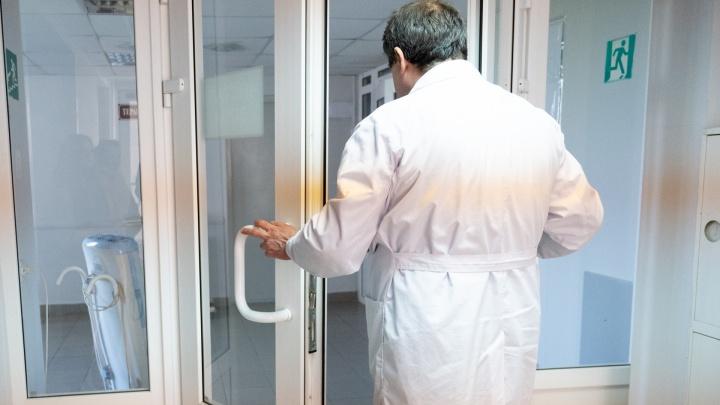 В реанимации ГБ № 20 случилось массовое увольнение врачей. Они ушли вслед за рассказавшим о смертях Топоровым
