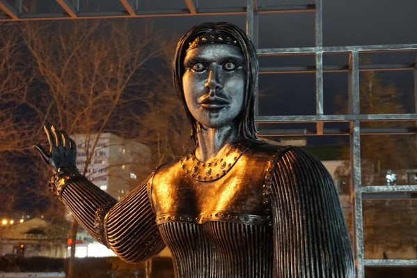Памятник установили в городе Нововоронеже в честь 250-летия села Новая Аленовка