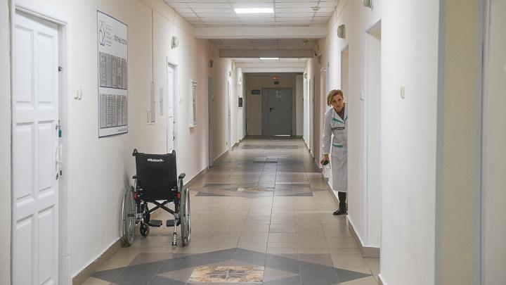 За сутки в Свердловской области коронавирусом заболело вдвое больше людей, чем выписалось