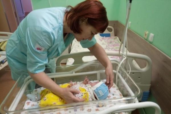 «Я забирала малыша, который ни на кого реагировал, ничему не радовался»: няни из Башкирии — о своей работе