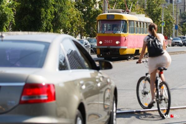 Волгоградцы уверены — заменить трамвай не сможет ни один автобус