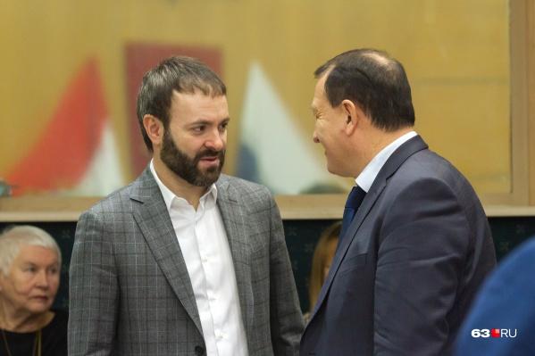 Компания уже не принадлежит семье депутата Евгения Серпера (слева)