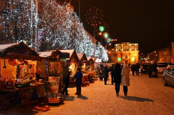 Новогодняя ярмарка на центральной площади открывается третий год подряд