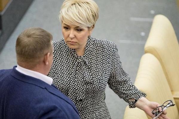 За полгода депутат от Волгоградской области не сдала позиций, а вот коллег Ирины Гусевой пришлось долго искать в списке из 400 парламентариев
