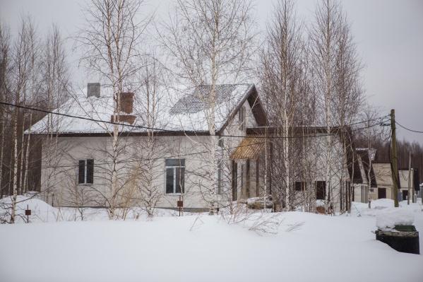 Переехать в пригород и на село по льготной ипотечной ставке захотели 1800 новосибирских семей — в марте возьмут жилищные кредиты первые 45